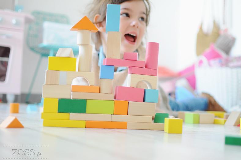 jeu en bois enfant cubes colorés