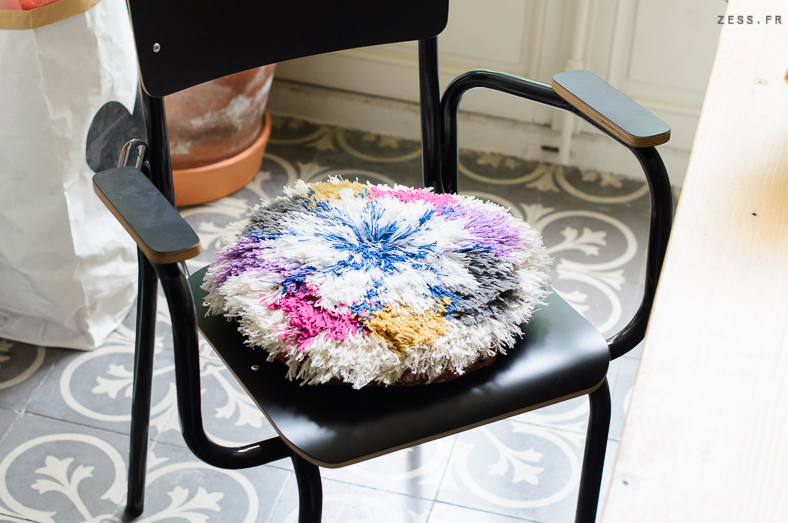 point noué tuto diy coussin tissage