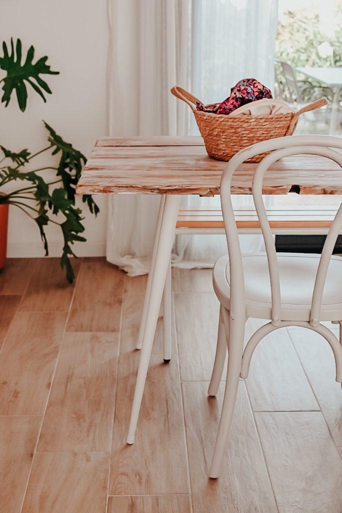 table diy pieds coniques