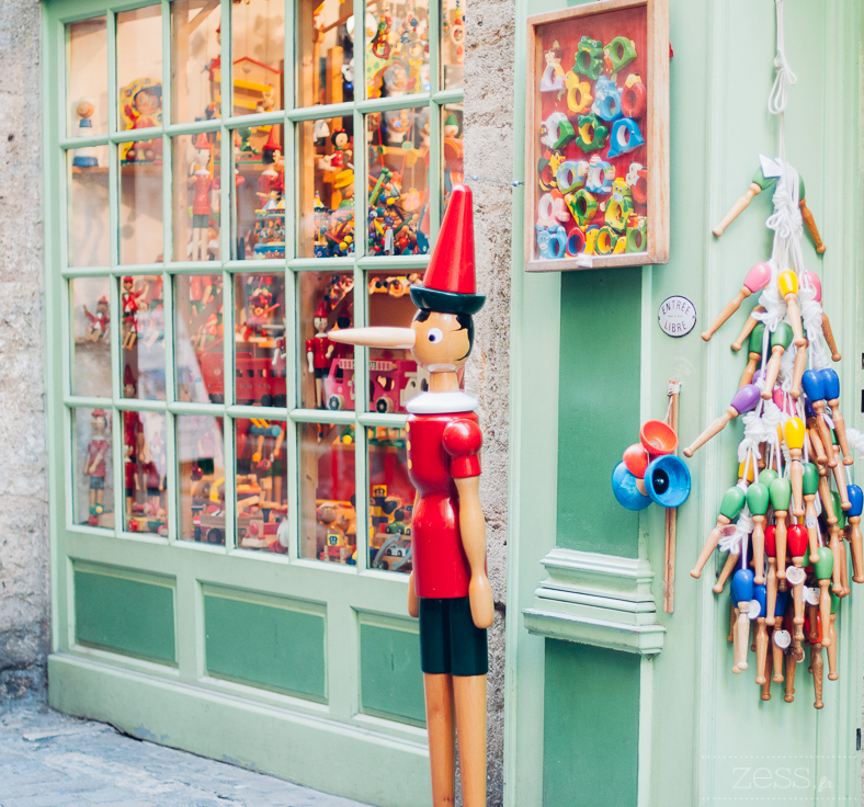 toy shop pezenas france