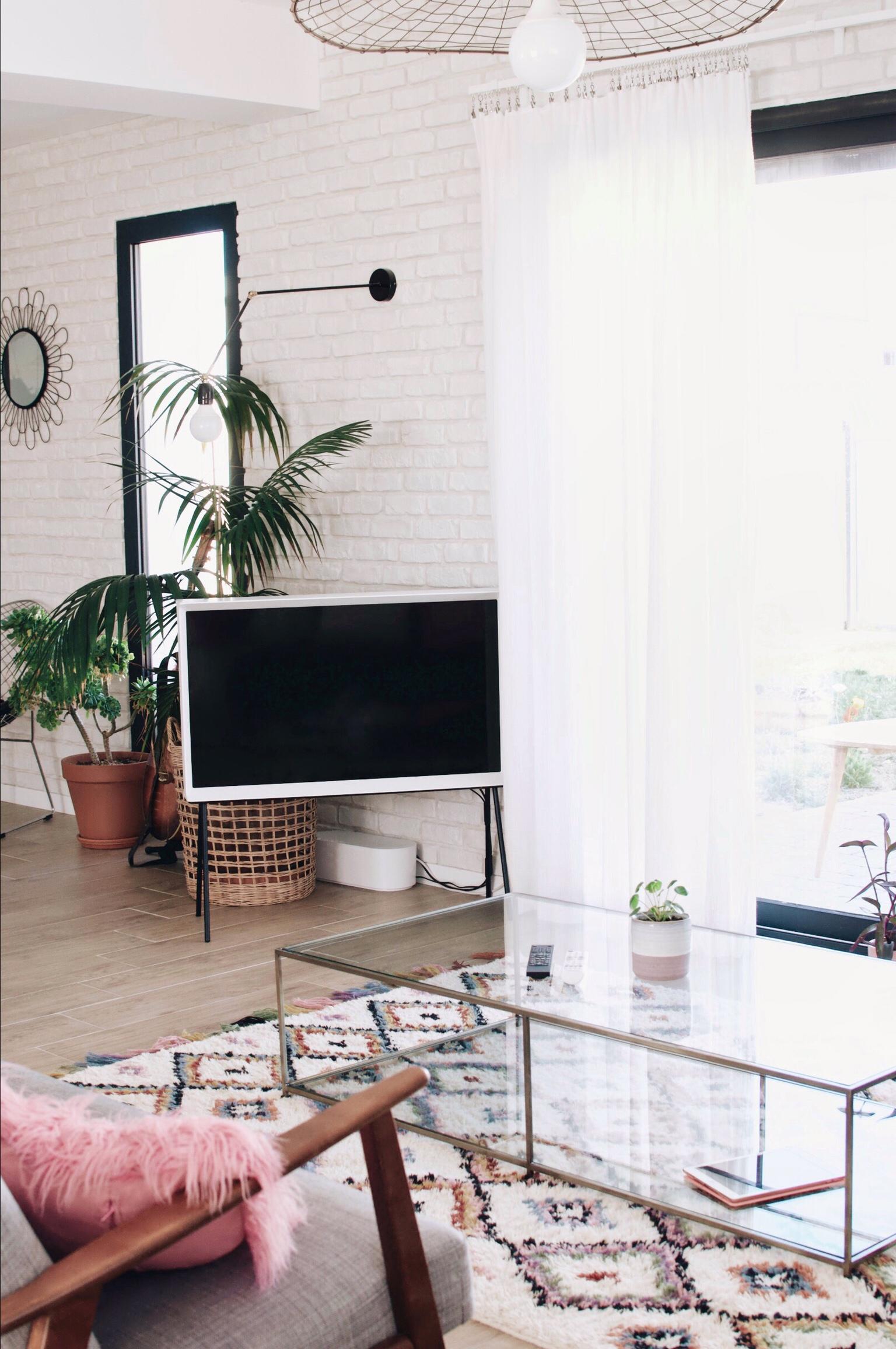 Deco Murale Au Dessus Tele déco : la télé dans le salon (sans que ça fasse moche
