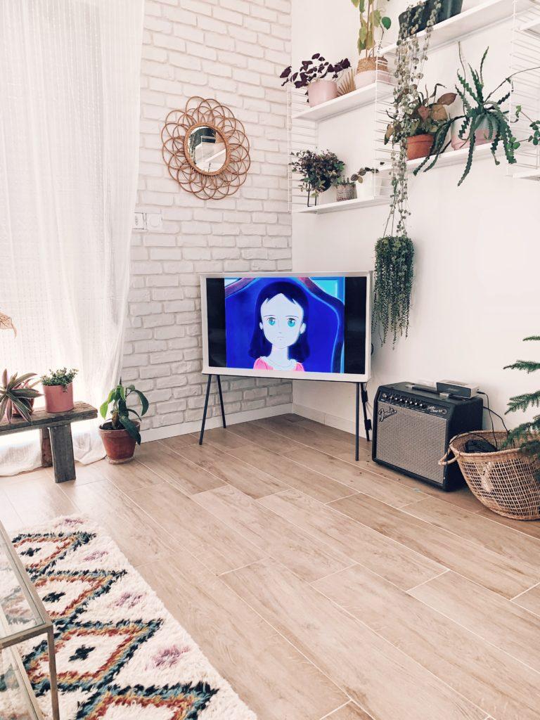 télé design salon moderne